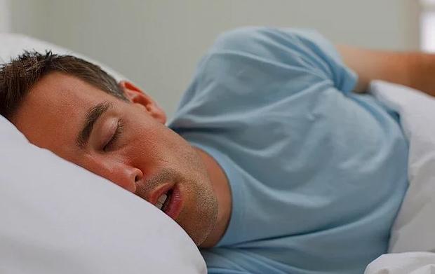 Herkes uyumadan önce bu hatayı yapıyor! Aynı pijamayı 2 gün üst üste giyerseniz..