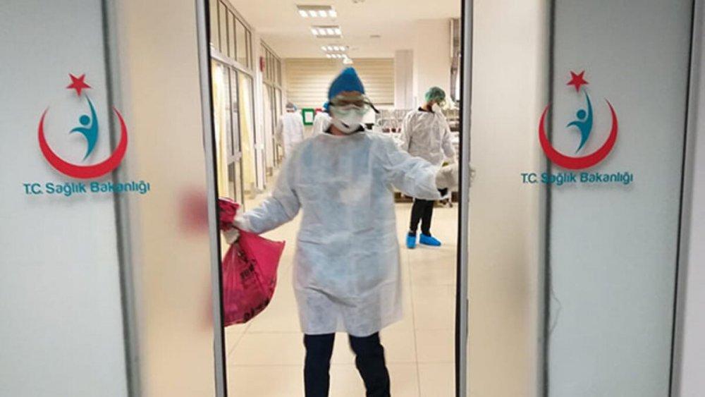 Adanaspor'da corona virüs alarmı! 21'i futbolcu 30 kişinin koronavirüs test sonucu pozitif çıktı