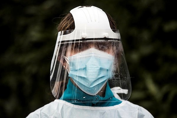 Kabusu bitmiyor! Mutasyona uğrayan koronavirüsün yeni belirtisi ortaya çıktı! Ani ve acısız oluyor..