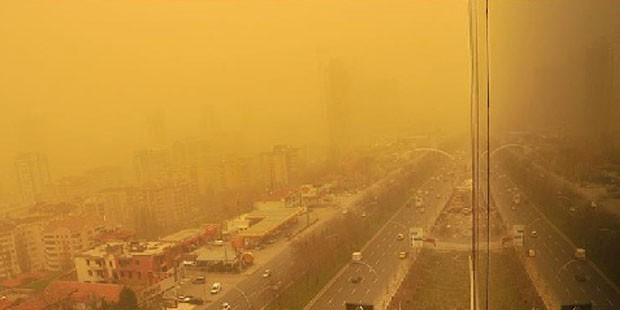 Çöl tozları 3 gün boyunca etkili olacak! Dışarıya çıkmayın, pencereleri açmayın!