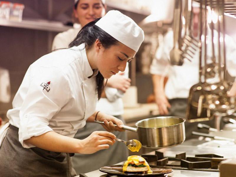 Mutfakta çalışmayı seven 388 kişi aranıyor! Başvurular İŞKUR üzerinden yapılacak
