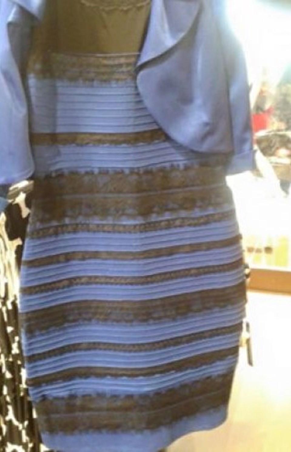 Sizce Bu Ayakkabı Ne Renk ? İşte Bilimin Yanıtı...