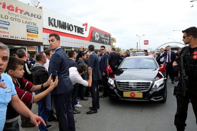 Cumhurbaşkanı Erdoğan ve Başbakan Yıldırım Esnafı Ziyaret Etti
