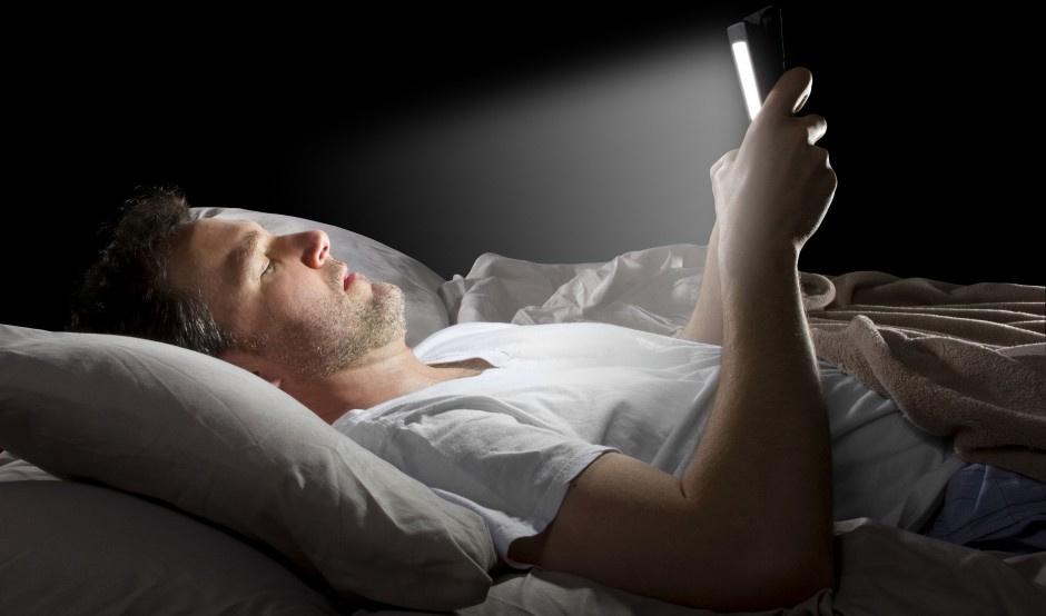 Uyumadan Önce Akıllı Telefon Kullanımı Bu Sorunlara Yol Açıyor