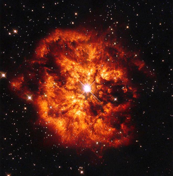 300 Bin Yıl Sonra   Bilim adamları WR 104, Pinwheel nebulasında yer alan bir çift yıldız sistemi bir süpernova içinde yok olup gidecek. Patlama nedeniyle oluşan gama ışını ise dünyadaki tüm yaşam formları için tehdit oluşturacağı kararına vardı.
