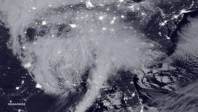 13 Bin Yıl Sonra  Dünya'nın eksen eğikliği tersine dönecek ve bu da dünyada zıt taraflarda yaz ve kış yaşanmasına neden olacağı tahmin ediliyor.