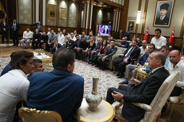 Erdoğan demokrasi nöbetine destek verenleri kabul etti