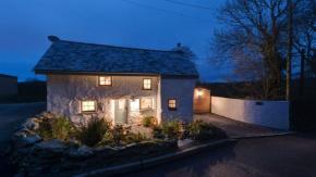 İngiltere#039;deki 300 yıllık evin restore edildikten sonraki haline bakanlar bir daha bakıyor...