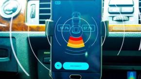 Araç plakalarında yeni dönem başlıyor. Peki bu ne anlama geliyor? Araçların ön ve arka tarafına taktığınız plakalar artık sadece plaka bilgilerinizi paylaşmayacak!