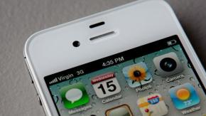 iPhone kullanıcıları, yeni iPhone#039;larla gelen iOS güncellemeleriyle birlikte kullanımdaki eski telefonların yavaşladığını ederken, bugüne kadar bu konuyla ilgili bir net kanıt sunulamamıştı. Ancak son yapılan testlerde Apple#039;ın eski iPhone#039;ların hızını bilerek düşürdüğü ortaya çıktı.  GÜNCELLENEN iPHONE#039;LAR YAVAŞLIYOR MU?  Bir süredir yeni çıkan iPhone#039;lar ile birlikte eski yüklenen iOS güncellemelerinin performans ve şarj sorunlarını da beraberin getirdiği iddia ediliyor.
