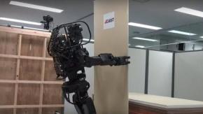 Japonların 'HRP-5P' İsimli Robotu Görücüye Çıkıyor