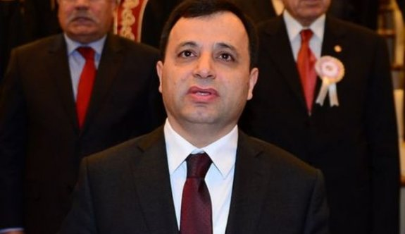 """AYM Başkanı Zühtü Arslan'dan """"Biz işimizi yapıyoruz!"""" Açıklaması"""
