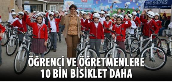 Öğretmen ve Öğrencilere Bisiklet Dağıtıldı