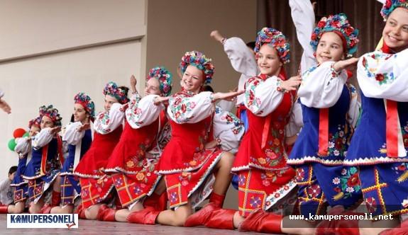 Milli Eğitim Bakanlığı Heyeti Çocuk Şenliği Kapsamında Bosna Hersek'te