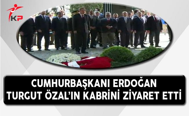 Cumhurbaşkanı Erdoğan, Turgut Özal'ın Kabrini Ziyaret Etti