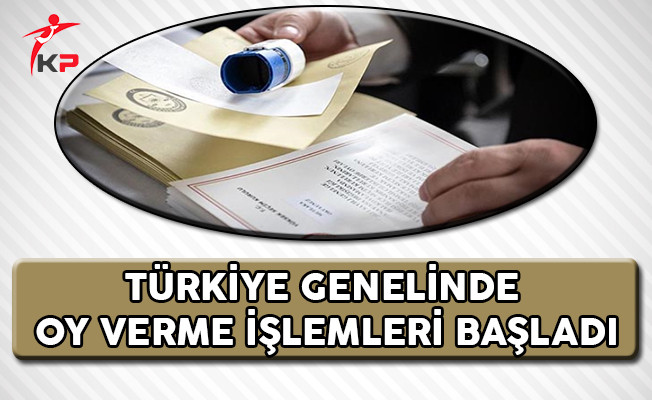 Türkiye Genelinde Oy Verme İşlemleri Başladı !