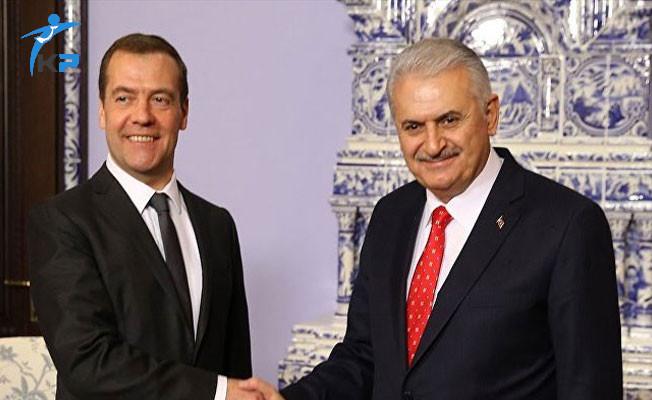 Son Dakika: İstanbul'da Yıldırım- Medvedev Görüşmesi