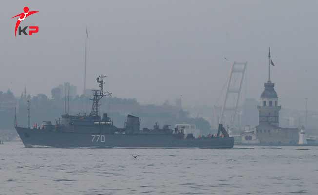 Rus Denizaltı Krasnodar İstanbul Boğazı'ndan Karadeniz'e Geçiyor