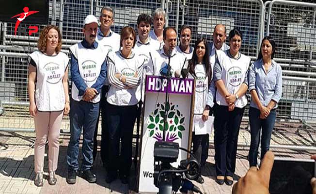 Van'da HDP Mitingine 14'ü Vekil Toplam 35 Kişi Katıldı