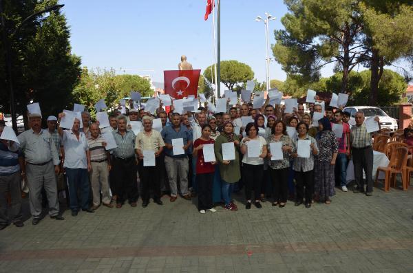 MHP'de İstifalar Devam Ediyor! Aydın'da MHP'den 70 Üye İstifa Etti