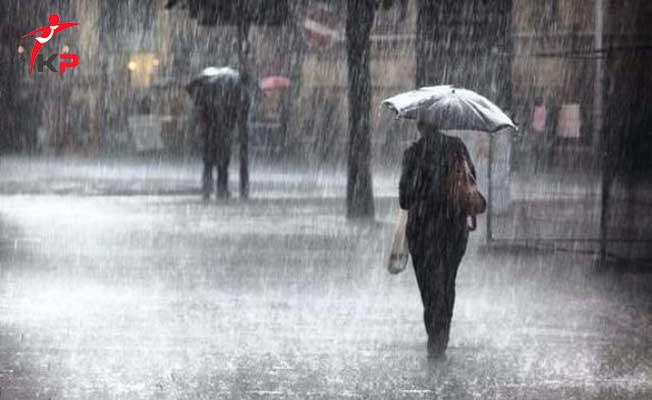 İstanbul'da Etkili Sağanak Yağmur! Meteoroloji Fırtına Uyarısında Bulundu