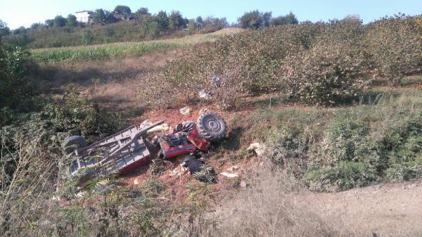 Samsun'da Traktör Devrildi ! 2 Kişi Hayatını Kaybetti