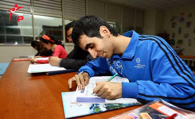Cumhuriyet Üniversitesi Engellilere Ücretsiz KPSS Kursu Verecek