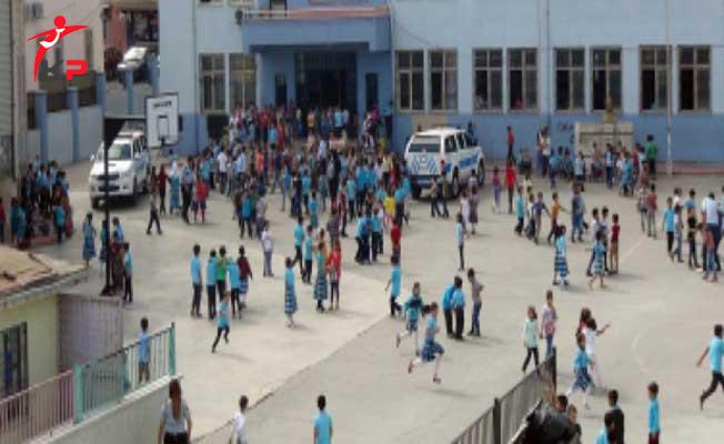 Gaziantep'te İlkokul Birinci Sınıf Öğrencisinin Çantasında Tabanca Bulundu