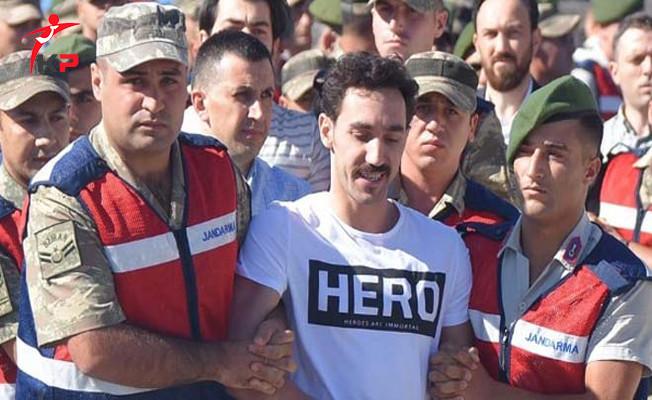 'HERO' Tişörtüyle Duruşmaya Gelen FETÖ Sanığının Cezası Belli Oldu!