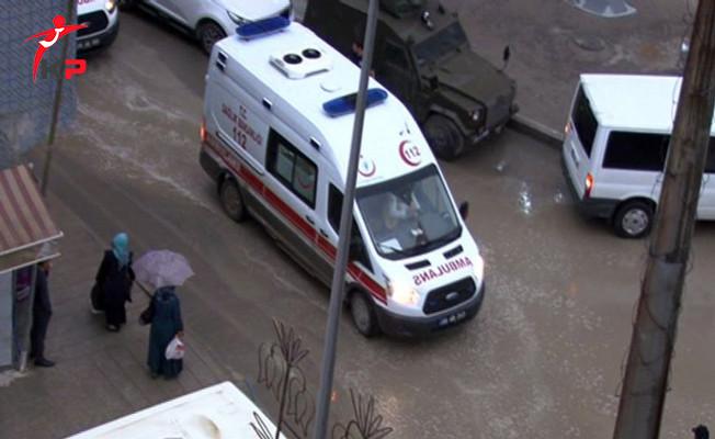 SON DAKİKA... Hakkari'de Polis Noktasına Yıldırım Düştü! Yaralılar Var