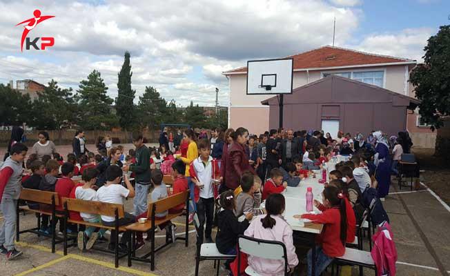 Üsküp Atatürk Ortaokulu Tarafından Düzenlenen Aşure Etkinliğine Vatandaşlardan Yoğun İlgi!