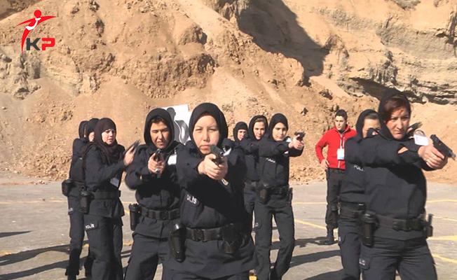 243 Afgan Kadın Polis Eğitimine Başladı