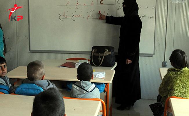 İlk Etapta Suriyeli Öğretmenler Türk Vatandaşlığına Alınacak