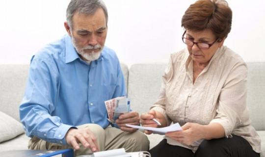 EYT Son Dakika Gelişmeleri! Emeklilikte Yaşa Takılanlar Seçim Öncesi Düzenleme Bekliyor