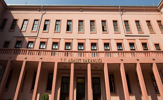 Adalet Bakanlığından Resmi Açıklama Geldi ! 24 Alan İçin 15 Bin Personel Alınacak: İKM, Zabıt Katibi Vb.