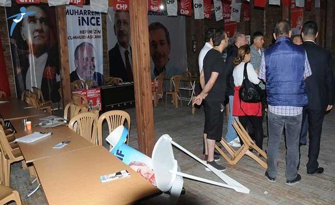 CHP Milletvekili Adayı Şener'in Seçim Bürosuna Saldırı !