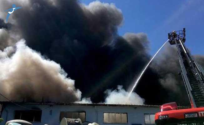 İstanbul'da Çok Büyük Yangın ! Patlama Üstüne Patlama Oldu