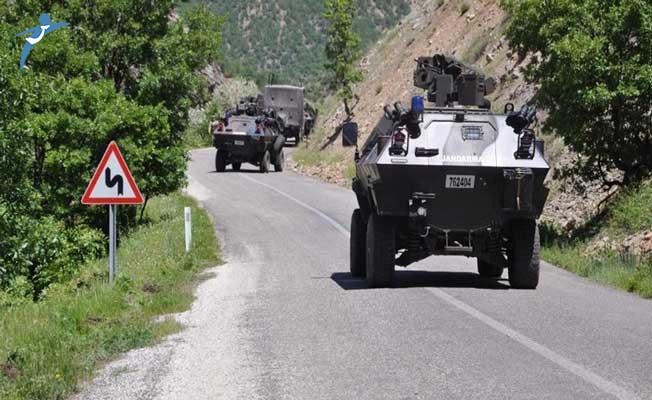 Erzurum'da Askeri Araç Şarampole Yuvarlandı! Yaralı Askerler Var
