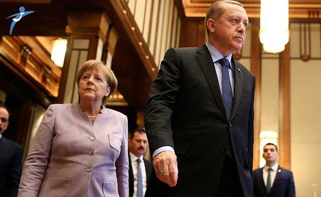 Cumhurbaşkanı Erdoğan'ın Ziyaretinde Can Dündar Krizi!