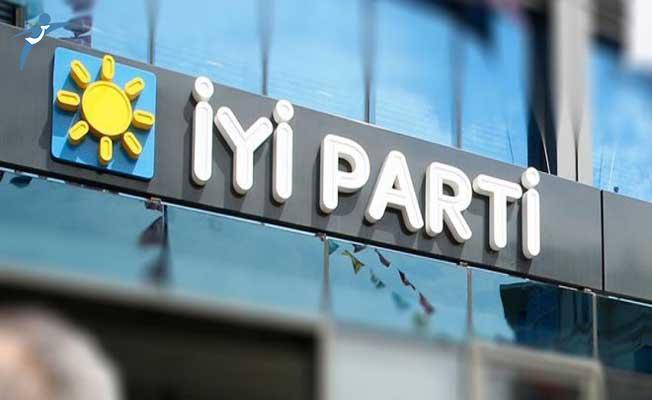 İYİ Parti'de Toplu İstifalara Bir Yenisi Daha Eklendi