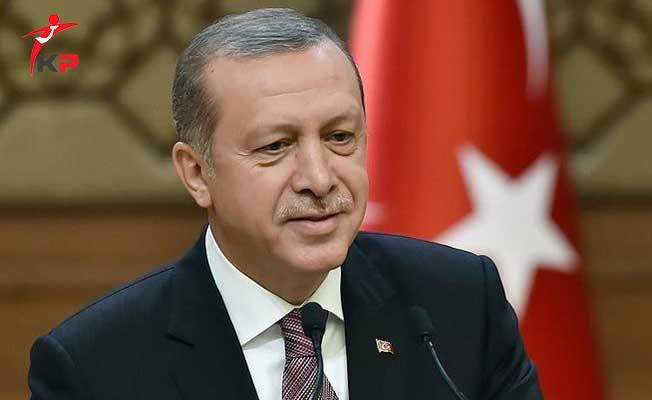 Cumhurbaşkanı Erdoğan  'Tayyipler Âlemi' Pankartı Açan Öğrencileri Çaya Davet Etti