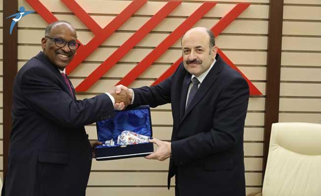 YÖK Başkanı Saraç, Somali Eğitim Kültür ve Yükseköğretim Bakanı İle Bir Araya Geldi!