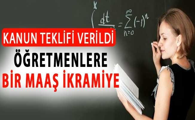 CHP'den 24 Kasım'da Öğretmenlere Bir Maaş İkramiye Teklifi