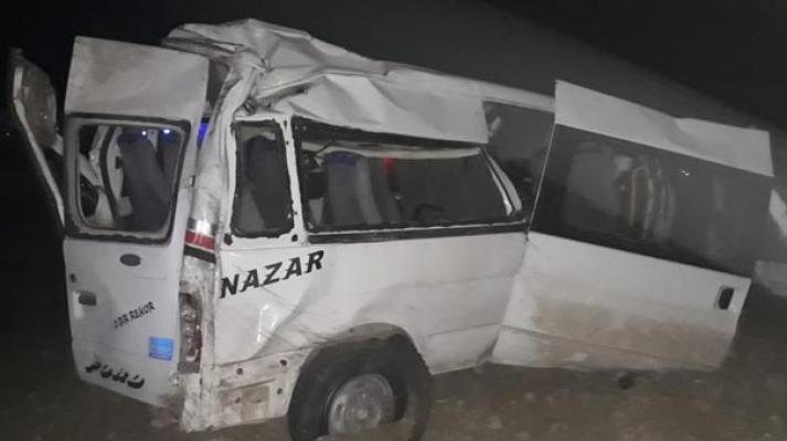 Hatay'da tarım işçilerini taşıyan minibüs kaza yaptı- 12 yaralı