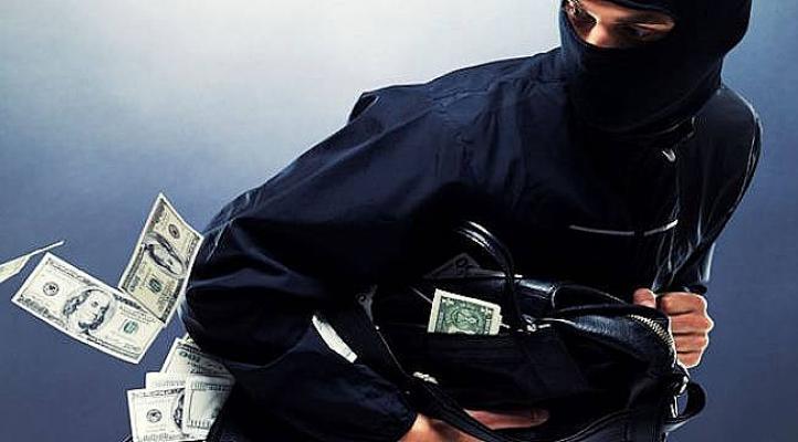 Hırsızlık ihbarına giden polis hırsızlık yaptı- Mahkeme kararını açıkladı