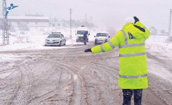 İçişleri Bakanlığı Valiliklere Kış Lastiği Genelgesi Gönderdi!