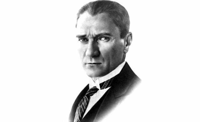 Öğretmenin, Hain Hain Bana Bakıyor Diyerek Atatürk Fotoğrafını İndirttiği İddia Edildi!