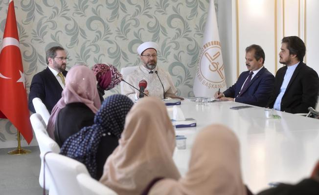Diyanet İşleri Başkanı Erbaş, Amerika ve Kanada'da Müslüman din görevlilerini kabul etti