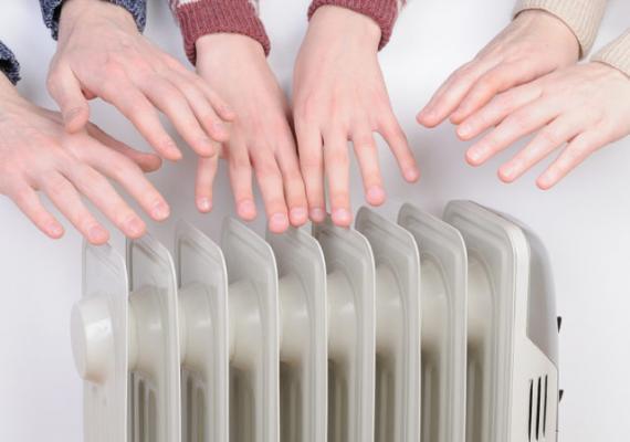 Ellerin Neden Soğuk Olduğuna 7 Neden: Kışın Sıcak Tutmak İçin Öneriler