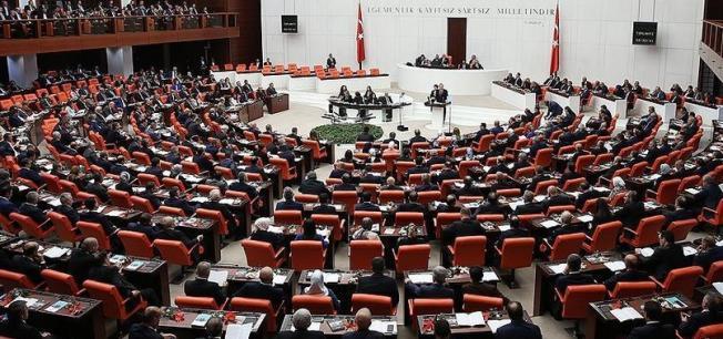 Emeklilikte Yaşa Takılanlar (EYT) Meclis'ten Düzenleme Bekliyor ! Emeklilik Yaşı Değişiyor